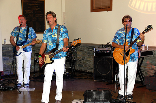 Surf's Up Performs at Del Mar Lifeguard Dance